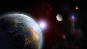 حدث فلكي مثير يتيح رؤية المريخ والقمر جنبا إلى جنب بالعين المجردة هذا الأسبوع