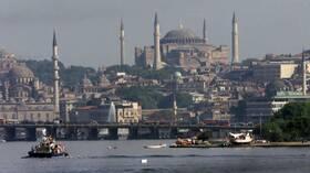 تركيا.. 1182 إصابة جديدة بكورونا والسلطات تدرس فرض قيود على مناطق بمدينة اسطنبول