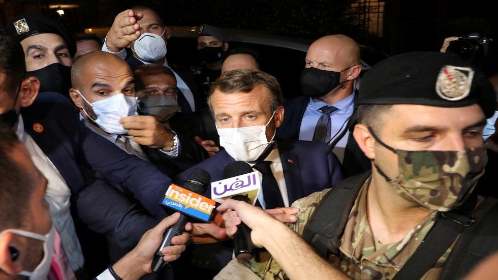 تفاصيل لقاء الساعة وربع بين ماكرون وفيروز وما قاله للمحتشدين