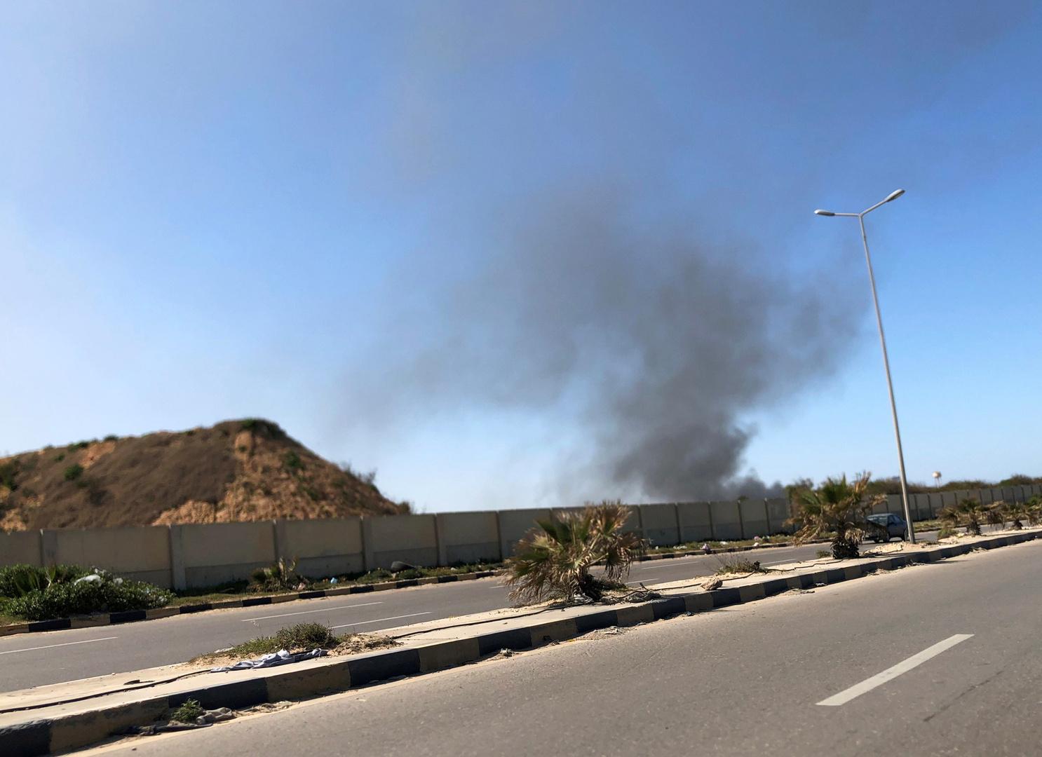 انتحاري على دراجة نارية يفجر نفسه قرب بوابة بالعاصمة الليبية طرابلس