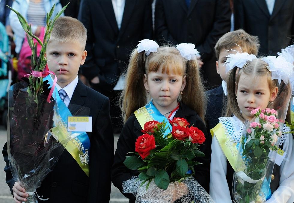 المدارس الناطقة بالروسية في أوكرانيا تنتقل إلى التدريس بالأوكرانية