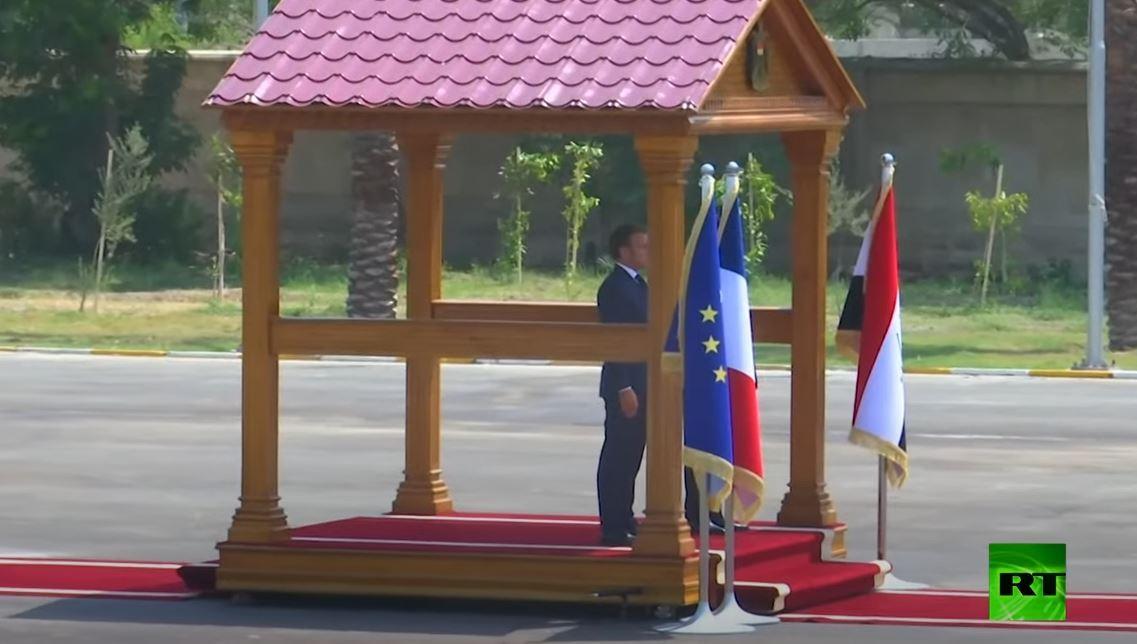 شاهد كيف يستقبل الرئيس العراقي برهم صالح نظيره الفرنسي في قصر بغداد