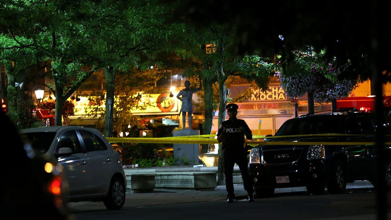 كندا.. قتيل ومصابون بإطلاق للنار في تورونتو ودعوات لوقف عنف العصابات
