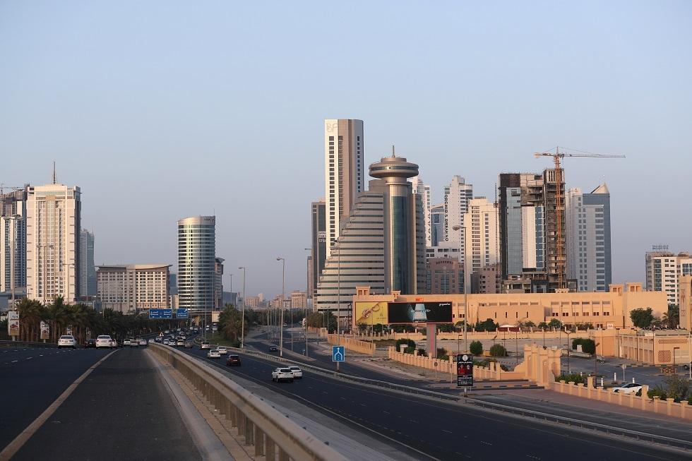 البحرين تسمح بدخول مواطني الدول الخليجية المجاورة وحاملي التأشيرات