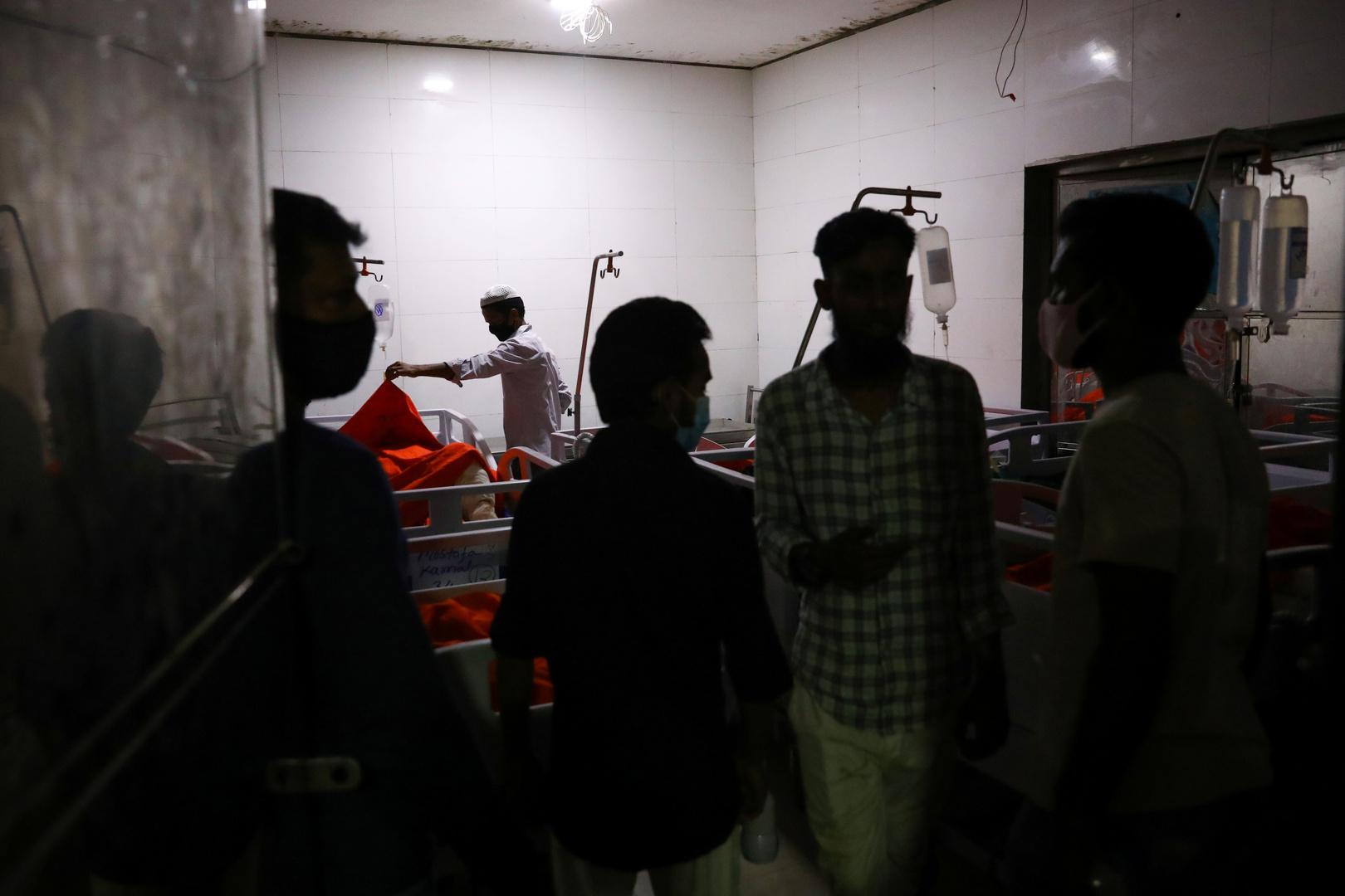 أقرباء لضحايا الانفجار في مسجد