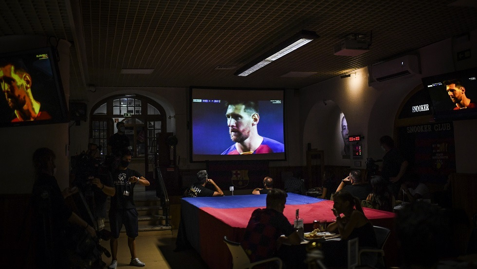 أسطورة ريال مدريد: ميسي لم يمتلك خيارا سوى البقاء في برشلونة