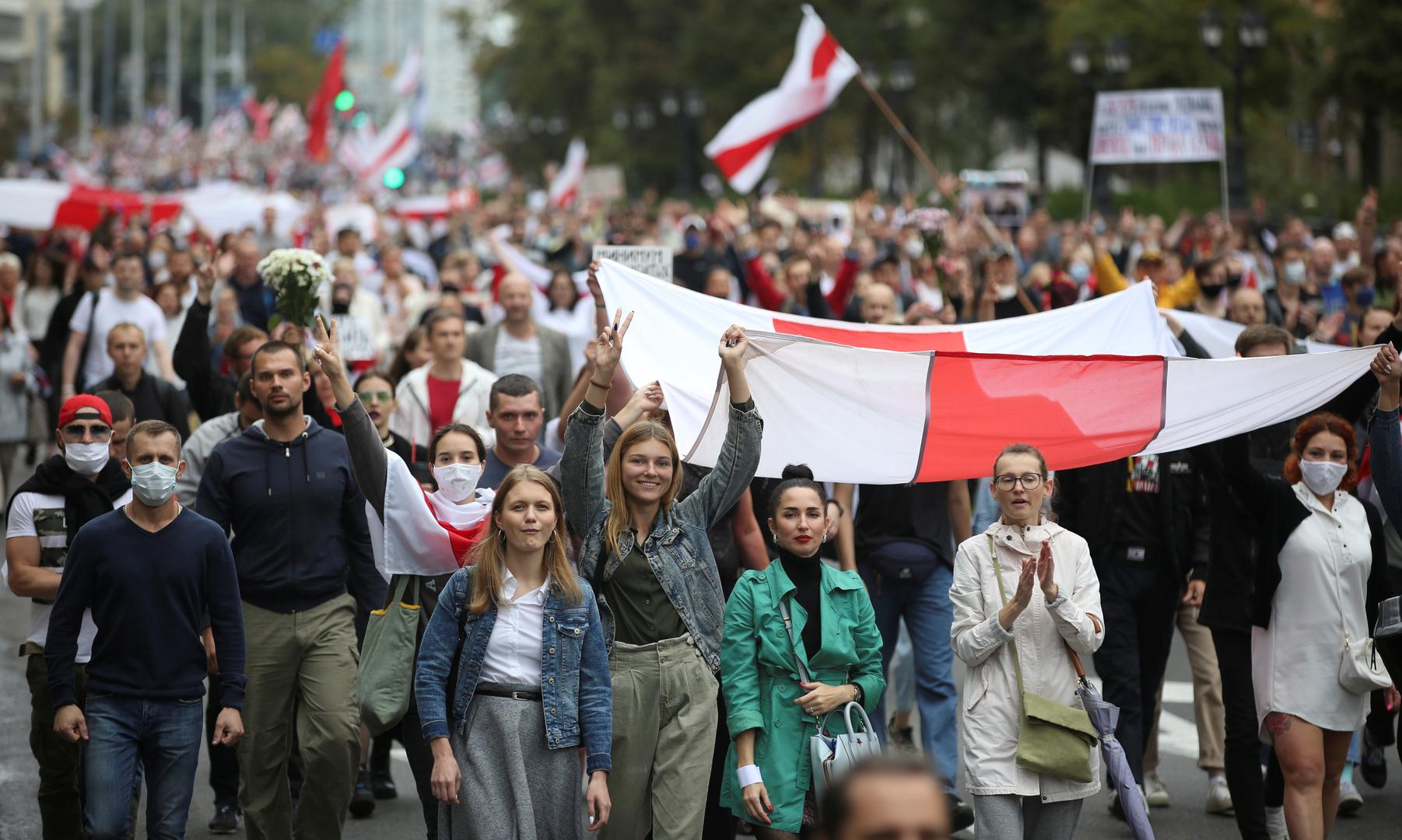 بيلاروس.. اعتقال أكثر من 600 شخص أمس خلال احتجاجات مناهضة للرئيس لوكاشينكو