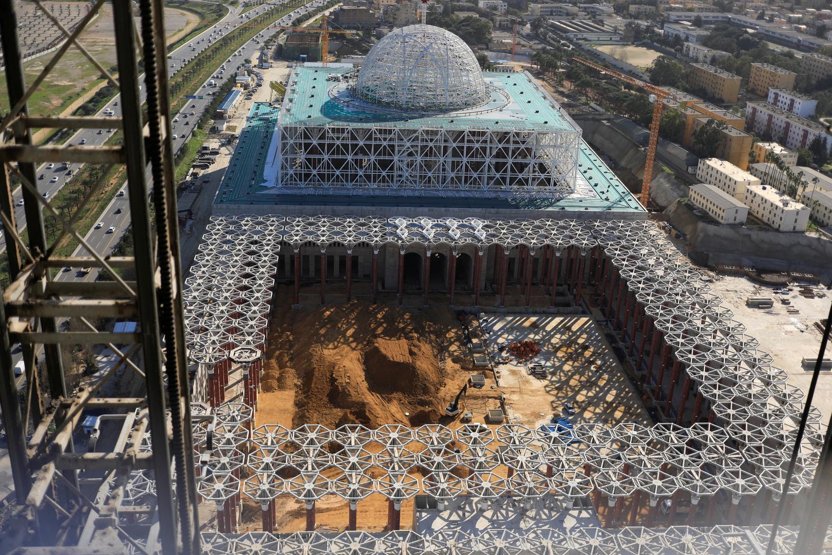 جامع الجزائر الأعظم في العاصمة الجزائرية خلال عملية الإنجاز