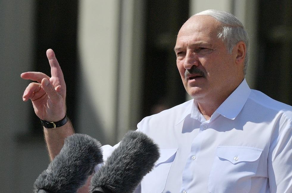 لوكاشينكو يؤكد أنه لن يتخلى عن السلطة