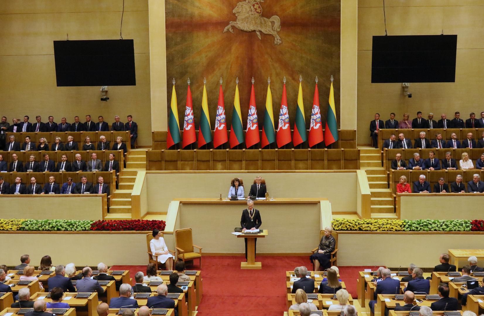 البرلمان الليتواني يدعو للاعتراف بتيخانوفسكايا رئيسة منتخبة لبيلاروس