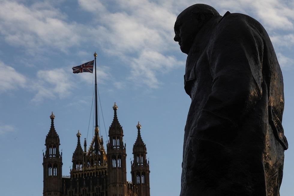 تمثال ونستون تشرشل، رئيس الوزراء البريطاني السابق