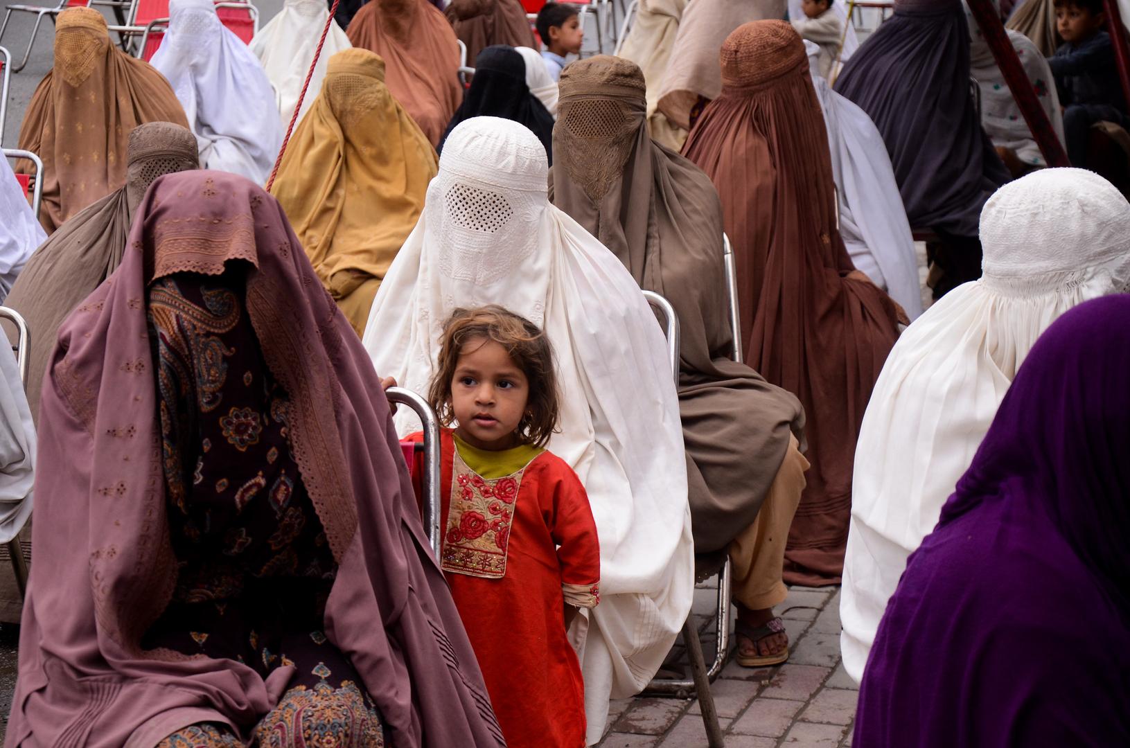 تعليق محقق في جريمة اغتصاب جماعي يثير الاستياء في باكستان