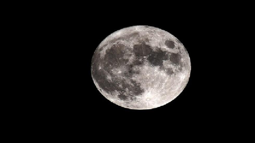 ناسا تنوي شراء عينات التربة القمرية لدى شركات خاصة