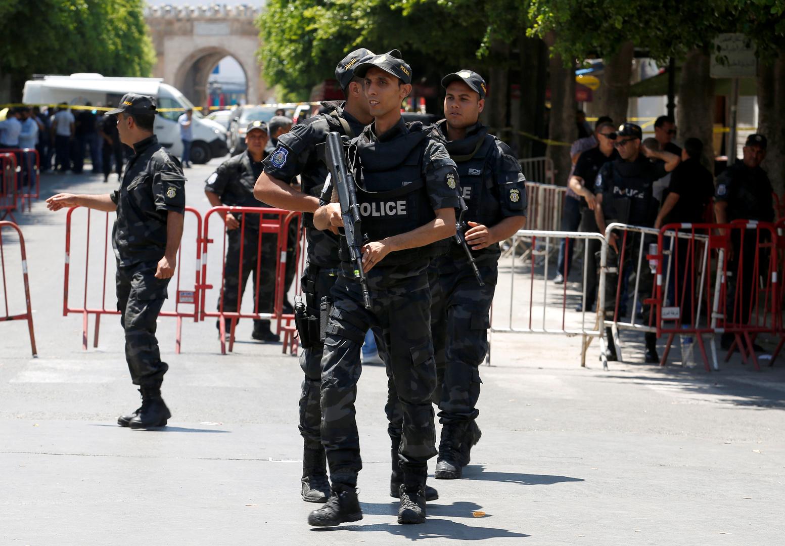 اعتقال 4 أشخاص في تونس من بينهم إمام بشبهة الإرهاب