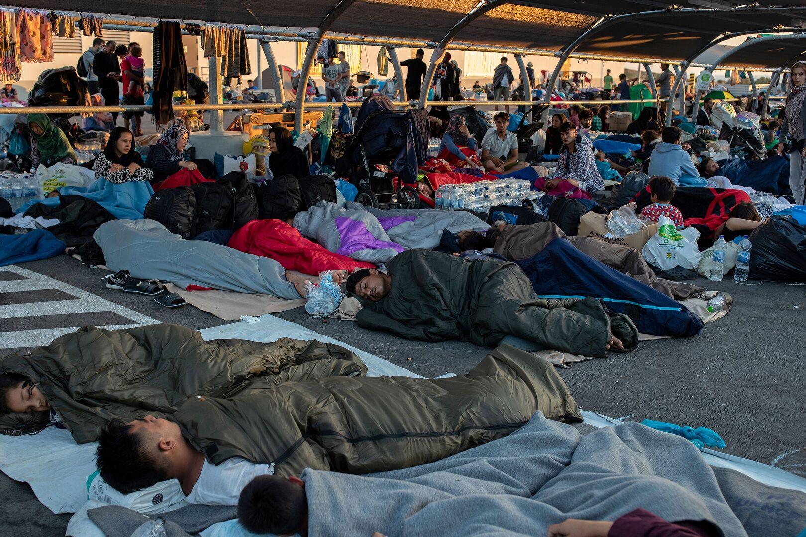 حكومة اليونان ترفض إجلاء المهاجرين من ليسبوس بعد حريق مخيم موريا