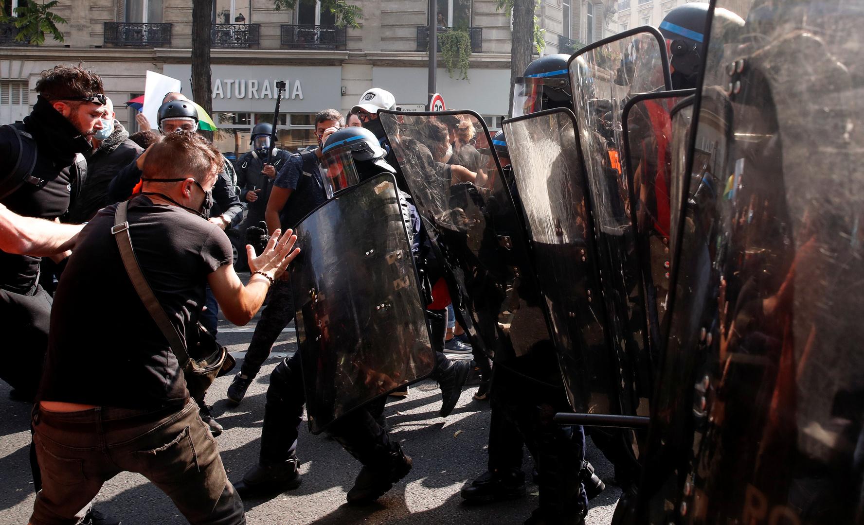 اشتباكات بين الشرطة ومحتجين في باريس