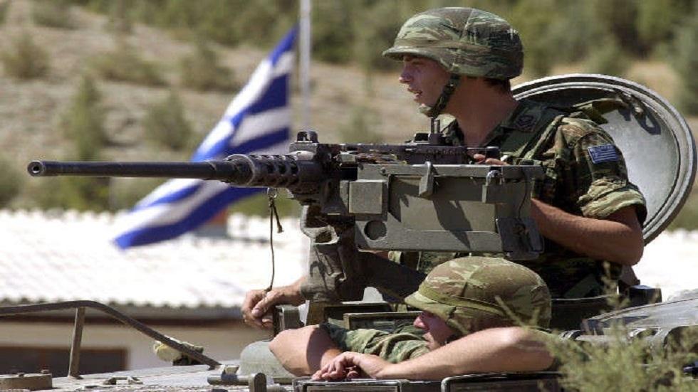 رئيس وزراء اليونان يعلن تخفيف الضرائب وزيادة الإنفاق الدفاعي