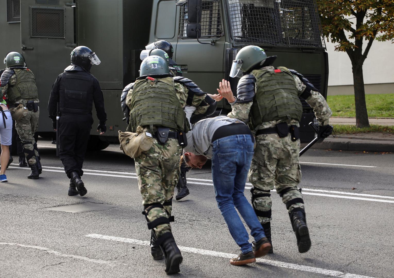 احتجاجات وسط عاصمة بيلاروس.. والشرطة توقف 250 شخصا