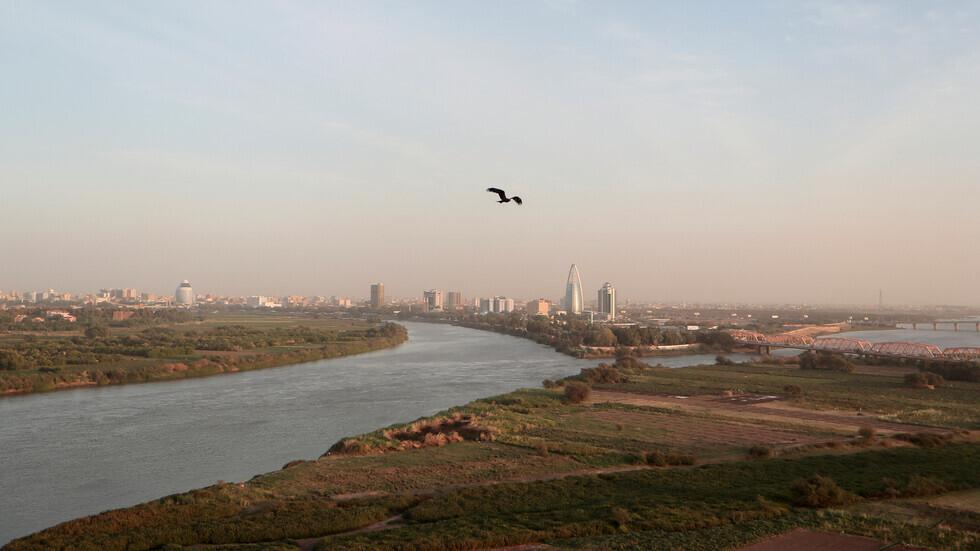 موقع التقاء نهري النيل الأزرق والنيل الأبيض قرب العاصمة السودانية الخرطوم.