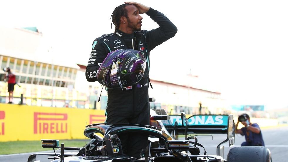 هاميلتون يحقق فوزه الـ90 في الفورمولا واحد ويقترب من معادلة رقم شوماخر التاريخي