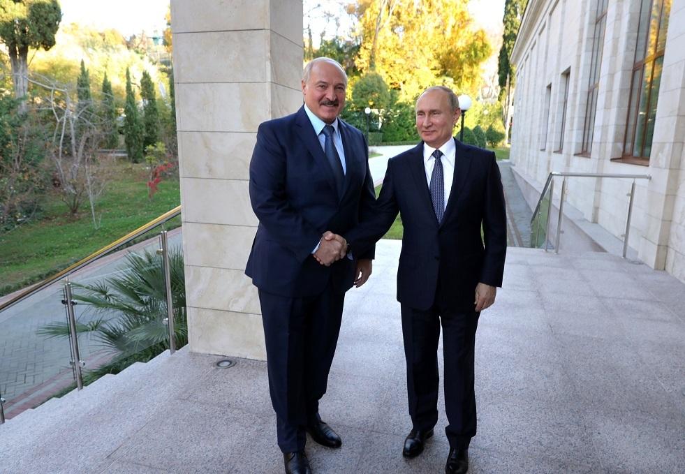 بوتين يلتقي اليوم لوكاشينكو في سوتشي على انفراد
