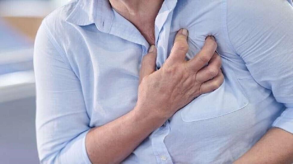 في أي سن يكون الخطر أكبر للإصابة بنوبة قلبية لدى الجنسين؟