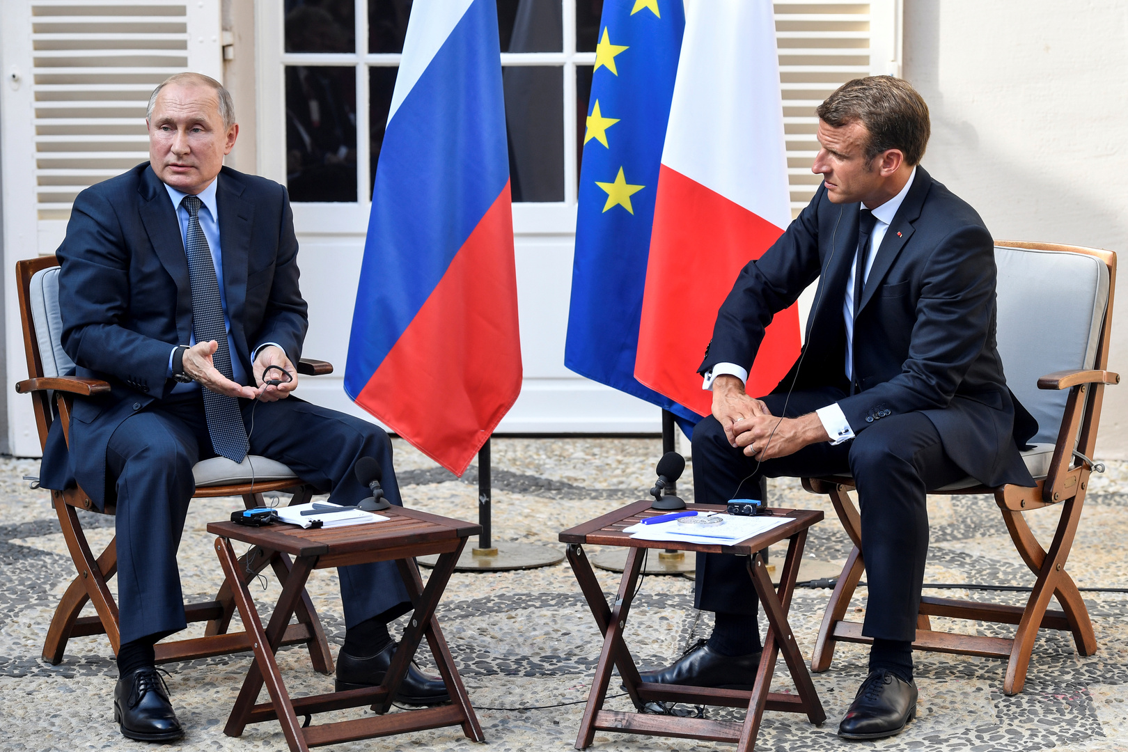 بوتين يؤكد لماكرون رفض روسيا الاتهامات الموجهة إليها في قضية نافالني