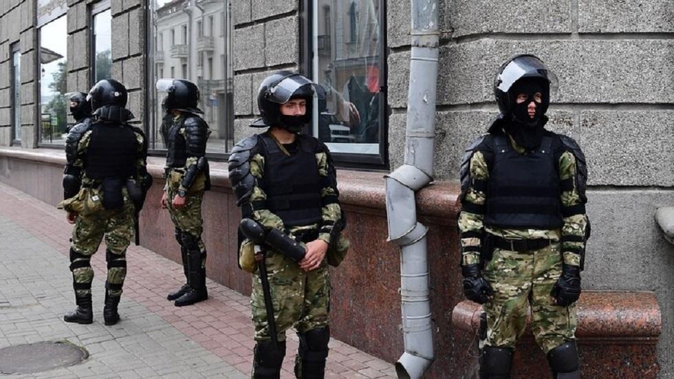 بيلاروس.. اعتقال 6 من أعضاء مجموعة بتهمة صنع أجهزة حارقة