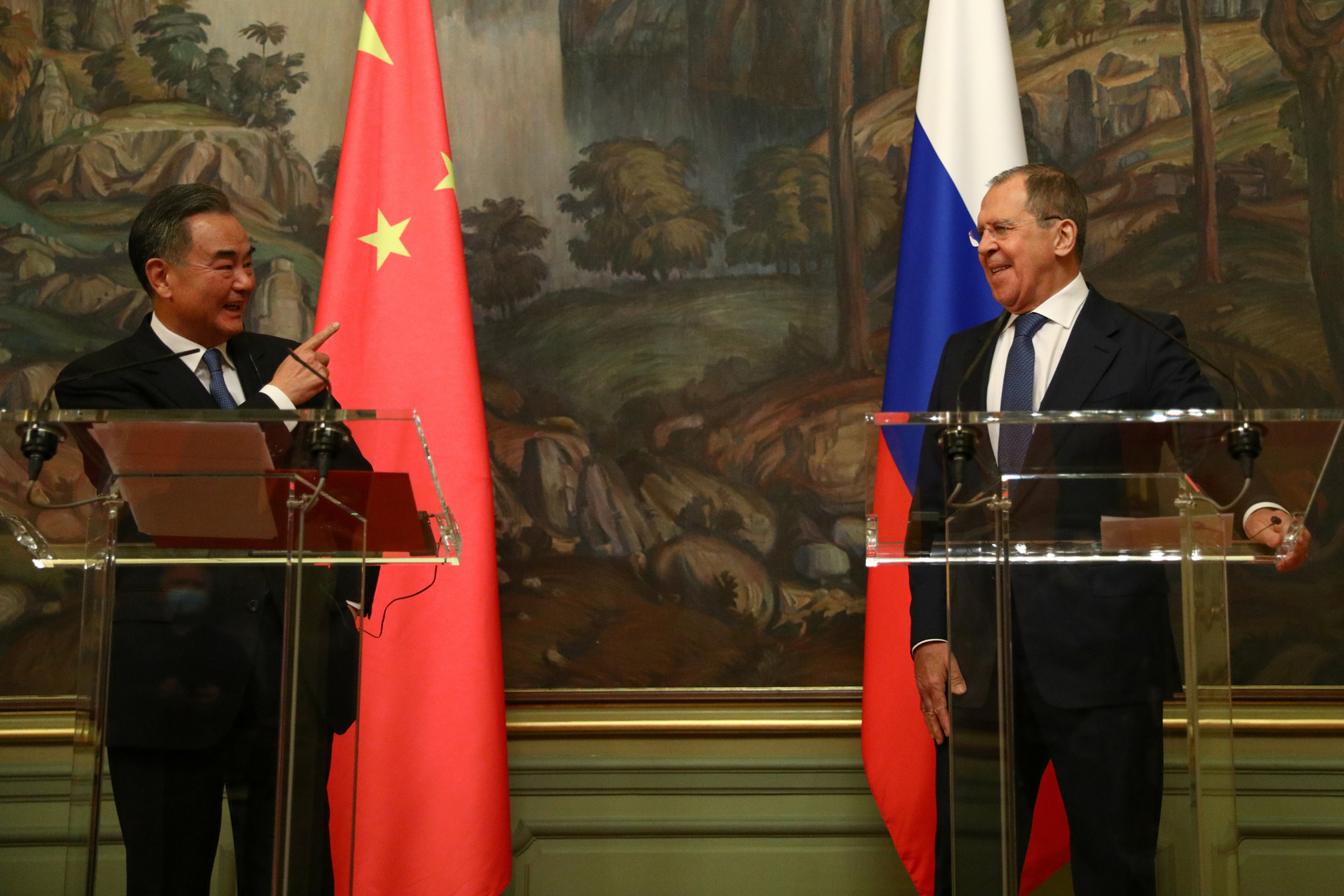 روسيا والصين ستردان على إنشاء الولايات المتحدة قوات فضائية