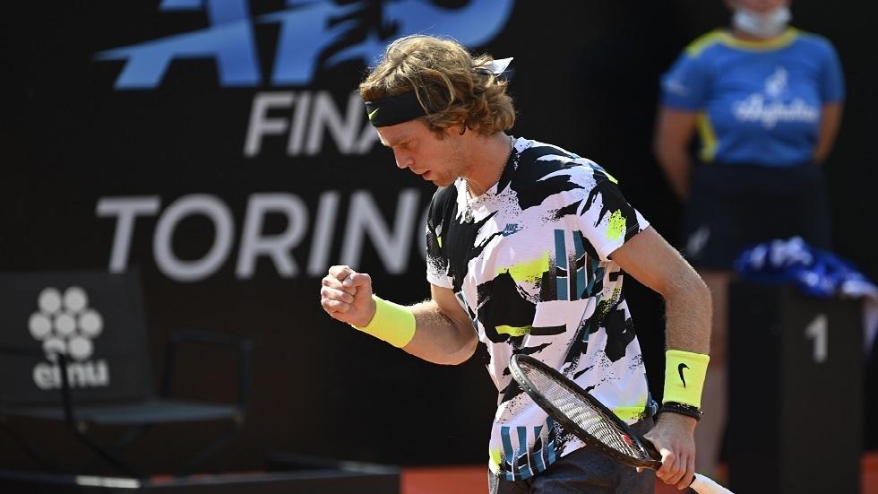 الروسي روبليف يصعد إلى ثاني أدوار بطولة روما