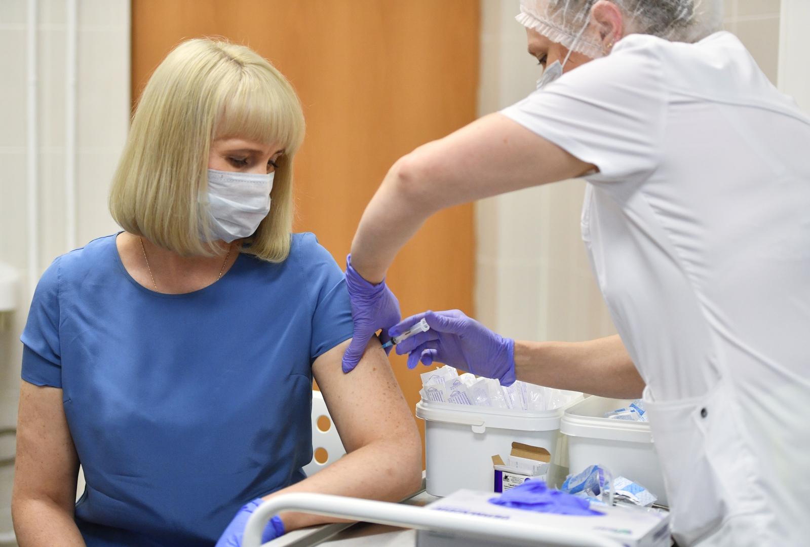 نصائح للمتطوعين في تجارب اللقاح الروسي لما بعد التسجيل