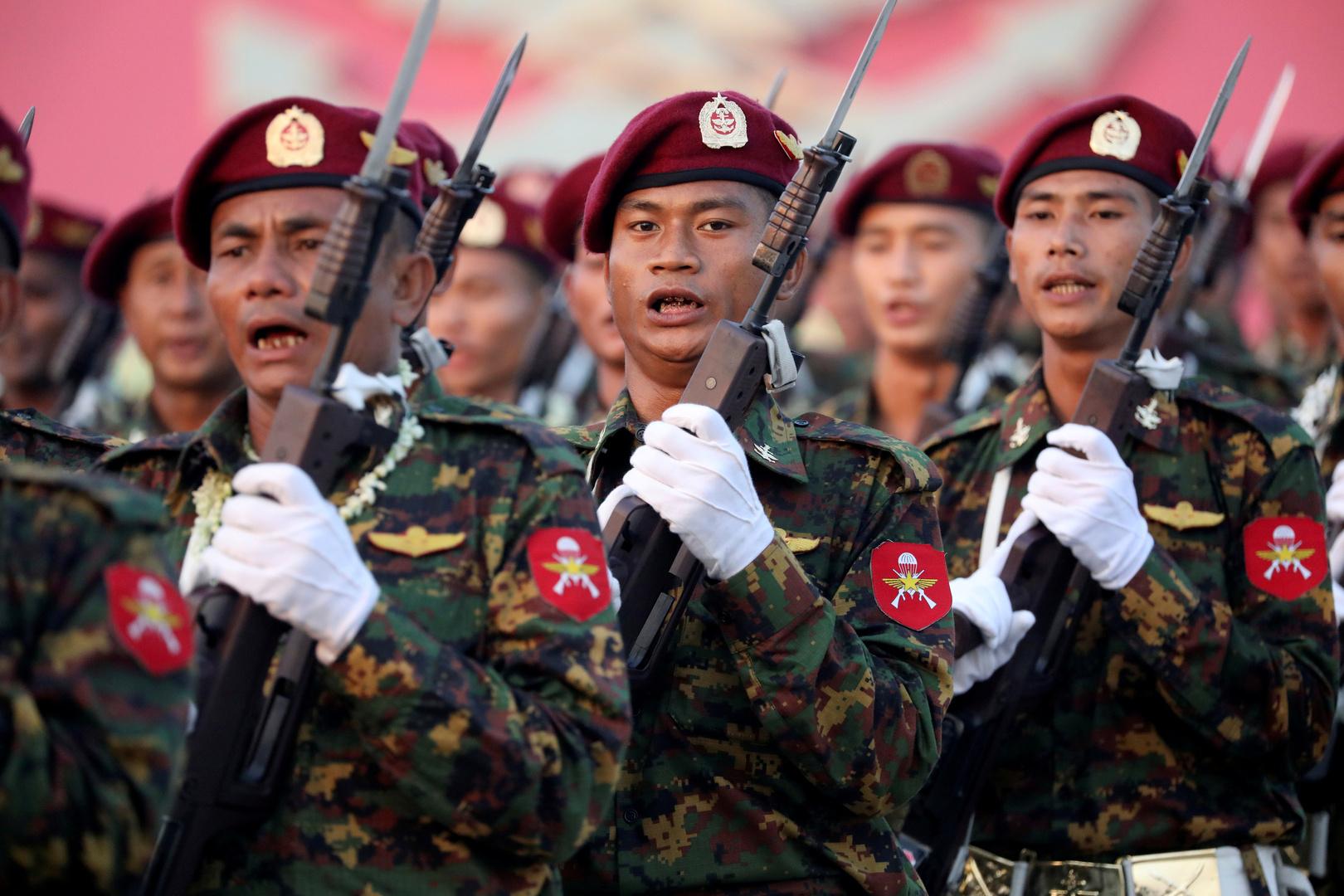 جيش ميانمار يحقق في