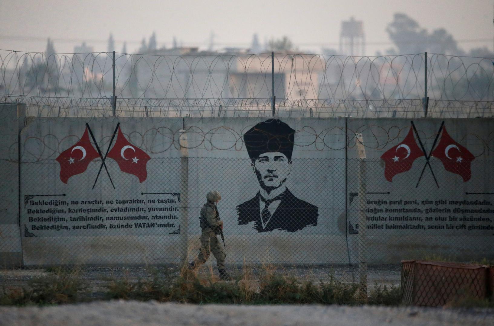 صحيفة تركية: اعتقال ضابط يقود كتيبة ويتزعم عصابة