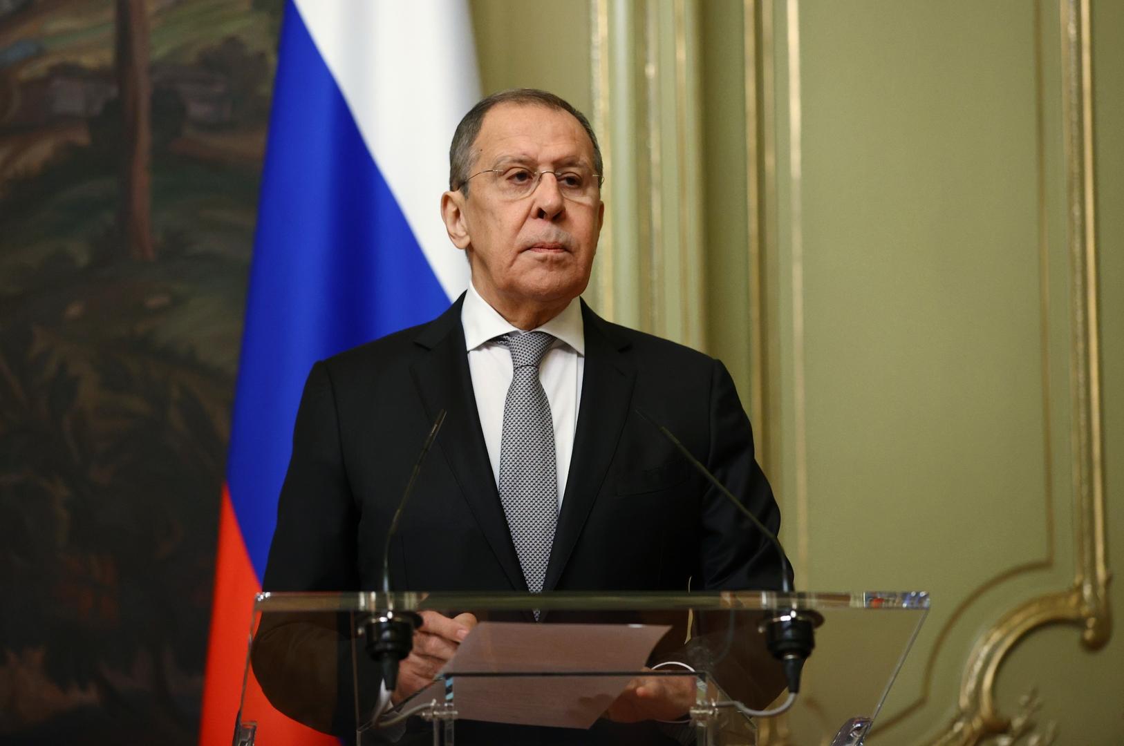 في اتصال بشأن اليمن.. لافروف يبحث مع نظيره السعودي المفهوم الروسي للأمن في الخليج