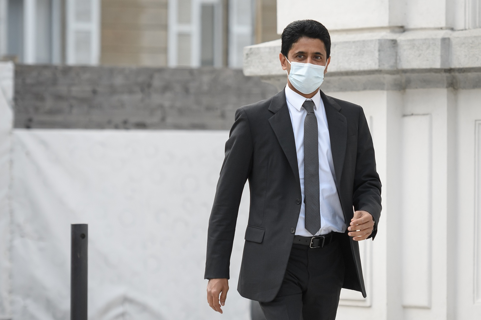 القطري الخليفي يضطر للكشف عن راتبه وثروته أمام القضاء السويسري