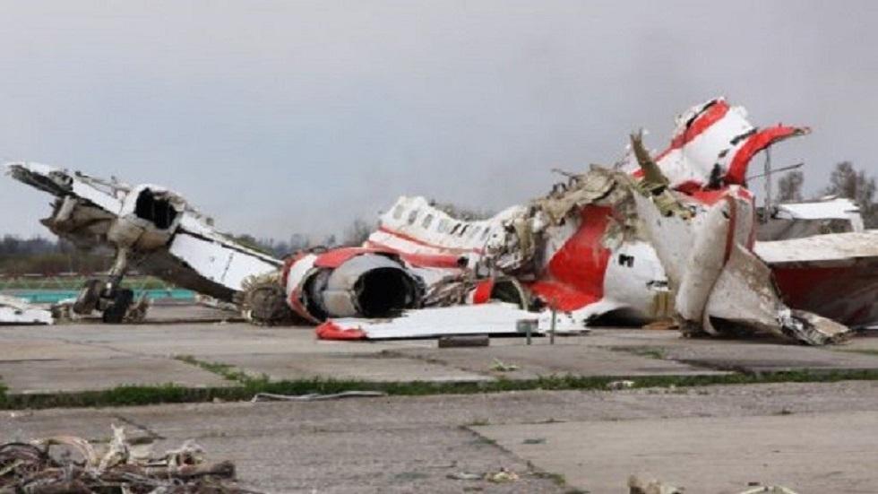 أجزاء من حطام الطائرة البولندية عام 2010