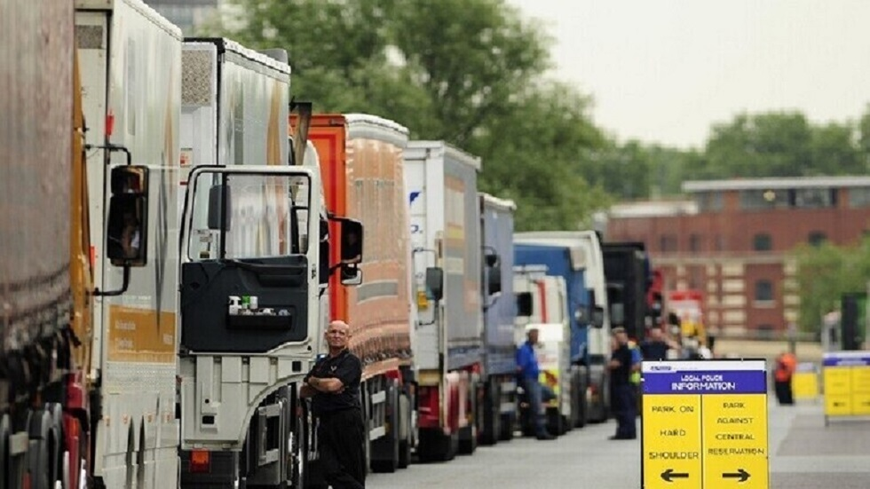 النمسا تعتقل سائق شاحنة تحمل 38 مهاجرا من سوريا والعراق وتركيا
