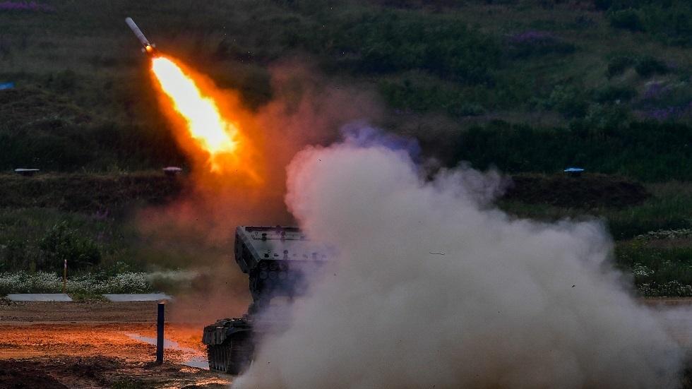 راجمة الصواريخ الروسية TOS-1A
