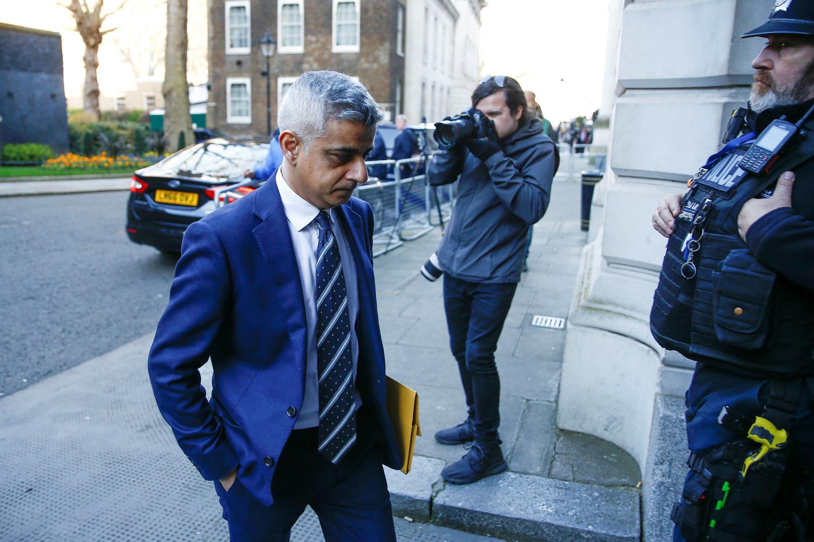 عمدة لندن صديق خان.