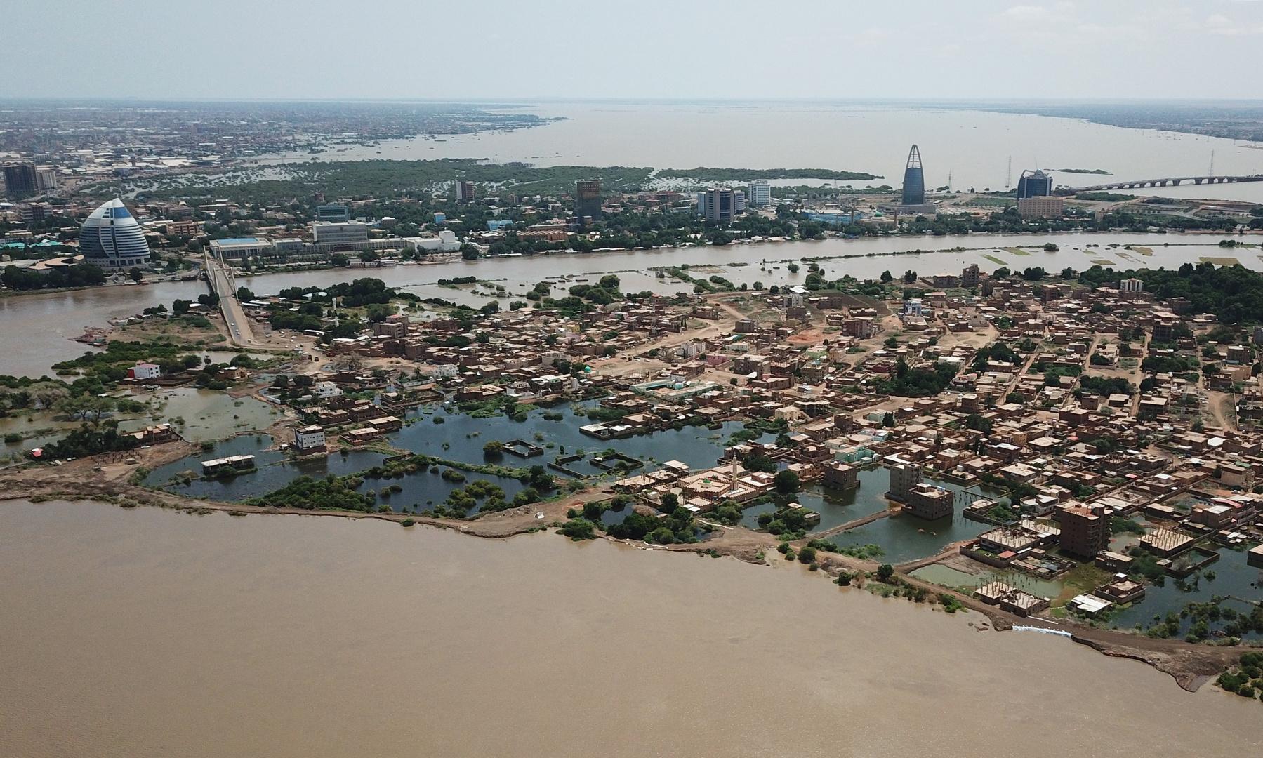 وصول أول طائرة أمريكية للخرطوم محملة بمساعدات لمتضرري الفيضانات