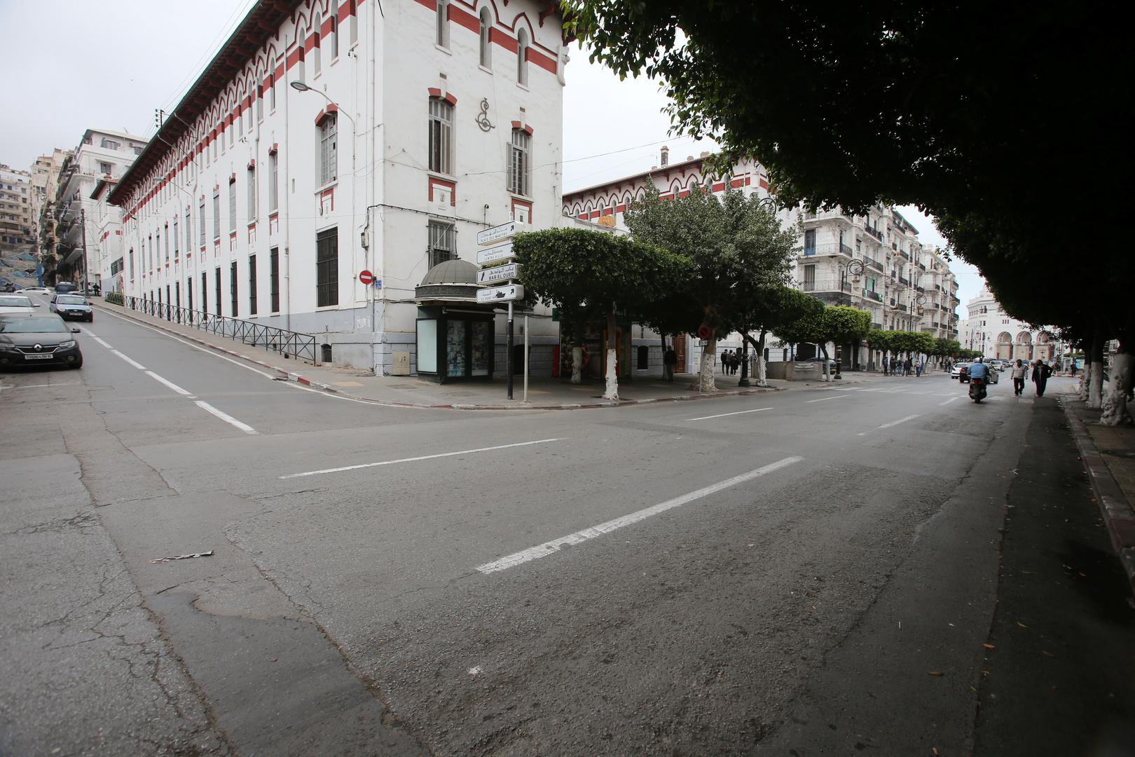 ثانوية عروج وخير الدين بربروس وسط مدينة الجزائر.