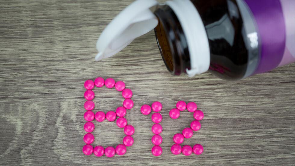 علامة في الأذنين قد تعني الافتقار إلى الفيتامين B12 الحيوي