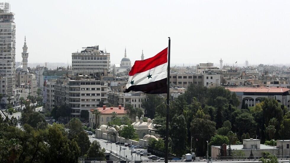 علم سوريا في دمشق.