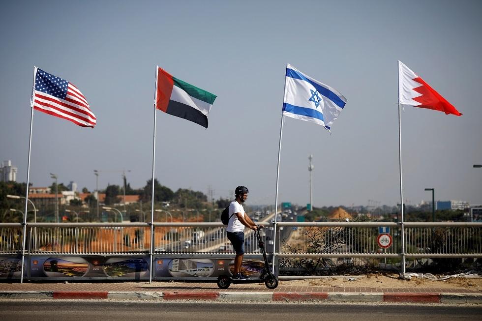 إسرائيل والبحرين تبحثان إقامة خطوط اتصالات مباشرة