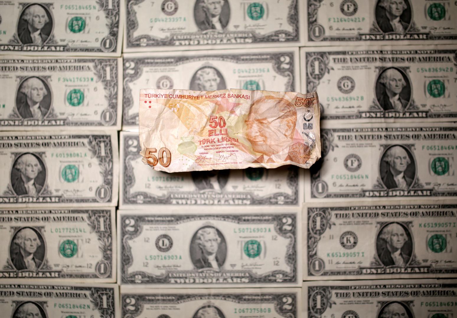 تركيا تتجه نحو كارثة مالية