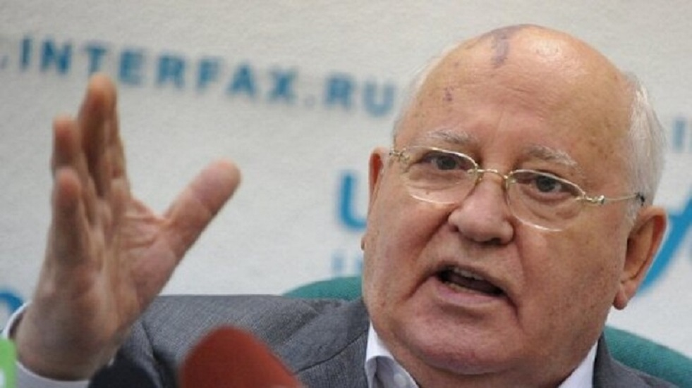غورباتشوف: أزمة الوباء يمكن أن تسهم في خفض الإنفاق العسكري
