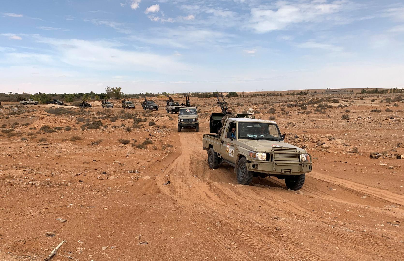 وزير الدفاع في حكومة الوفاق الليبية يحل كتيبتين متنازعتين لأول مرة منذ توقف حرب العاصمة