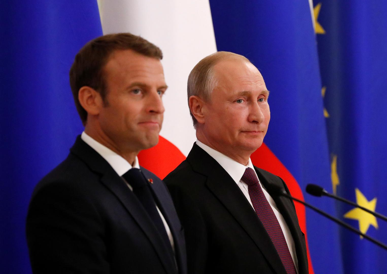 الرئيسان الروسي فلاديمير بوتين والفرنسي إيمانويل ماكرون.