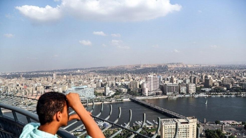 """""""علاج بالبوس والأحضان"""".. تفاصيل اتهام طبيب نفسي مصري بالتحرش"""