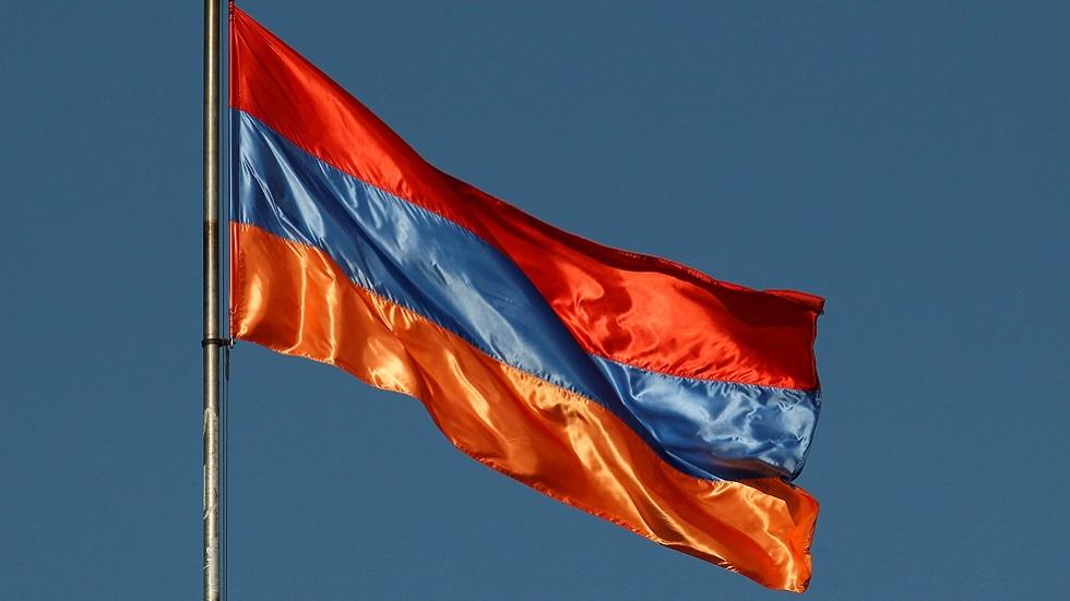 البرلمان الأرمني يرفض إلغاء الأحكام العرفية